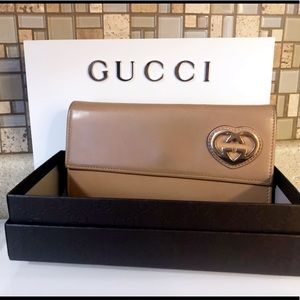 Auth. Gucci Japan Exclusive Nude GG Heart Wallet